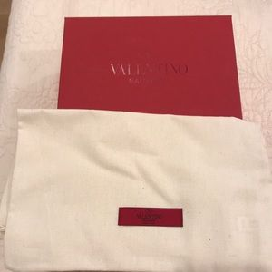 Valentino shoe box & new dust cover